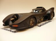 BATMAN RETURNS BATMOBILE HOTWHEELS ELITE SERIES 1
