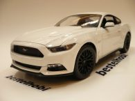 ford-mustang-2015-white-maisto-1