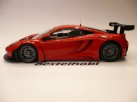 mclaren-12c-gt3-red-limited-edition-minichamps-5