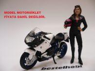AMERICAN DIORAMA MOTORCU KIZ FİGÜRÜ 1